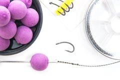 Séchez l'alimentation pour la pêche de carpe Boilies et accessoires de carpe pour la carpe Photos stock