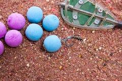 Séchez l'alimentation pour la pêche de carpe comme fond Amorce opérationnelle de carpe Photo libre de droits