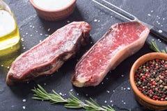 Séchez le bifteck âgé de New York Images stock