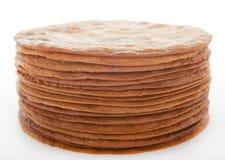 Séchez les gâteaux de miel cuits au four pour le gâteau dans une pile Image libre de droits