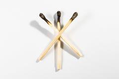 Sécurité Backg d'isolement par blanc de symbole de feu de détail de bâton de match macro Photos stock