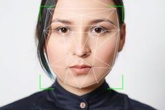 Sécurité biométrique de détection de reconnaissance des visages de femme de vérification photos libres de droits