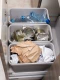 Ségrégation de déchets de ménage images stock