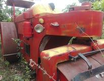 Séjour très vieux de véhicule sur la paix Images stock