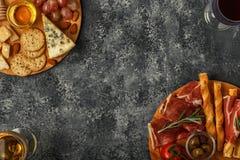 Sélection d'apéritif de fromage et de viande, vue supérieure Photo libre de droits