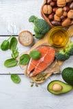 Sélection de grosse nourriture saine de sources, concept de la vie photos libres de droits