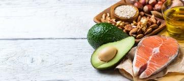 Sélection de grosse nourriture saine de sources, concept de la vie photo libre de droits