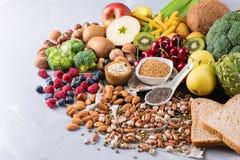 Sélection de nourriture riche saine de vegan de sources de fibre pour la cuisson image libre de droits