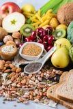 Sélection de nourriture riche saine de vegan de sources de fibre pour la cuisson photos libres de droits