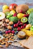 Sélection de nourriture riche saine de vegan de sources de fibre pour la cuisson photographie stock