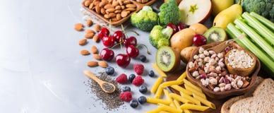 Sélection de nourriture riche saine de vegan de sources de fibre pour la cuisson photo libre de droits