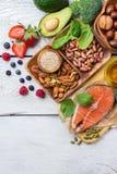 Sélection de nourriture saine pour le coeur, concept de la vie image stock