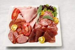 Sélection de salami et de jambon de déjeuner Images stock