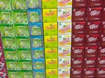 Sélection de soda à l'épicerie images libres de droits