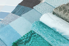 Sélection des couleurs de tapisserie et de rideau de tapisserie d'ameublement images stock