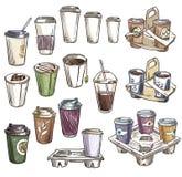 Sélection des tasses de café et des plateaux à emporter de transporteur Photographie stock libre de droits