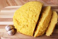 Sémola de maíz y ajo Imagenes de archivo