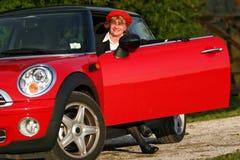 Sénior no carro de esportes Imagens de Stock Royalty Free