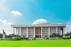 SÉOUL, CORÉE - 14 AOÛT 2015 : Assemblée nationale Hall de marche à suivre - bâtiment de capitol de la république de Corée du Sud, Image stock