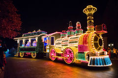 SÉOUL, CORÉE - DÉCEMBRE 21,2014 : Un beau défilé la nuit Images stock