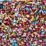 Séoul, Corée du Sud - 3 juin 2017 : Cadenas colorés d'amour, Séoul, parc de Namsan images stock