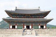 SÉOUL, CORÉE - 4 SEPTEMBRE 2009 : Geunjeongjeon dans la PA de Gyeongbok Images stock