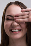 Série da emoção de menina ucraniana nova e bonita - riso e happyness fotografia de stock royalty free
