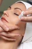 Série de salon de beauté, demande de règlement spéciale de peau Photographie stock