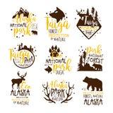 Série de signes de promo de parc national de l'Alaska de calibres colorés de conception de vecteur avec des silhouettes d'élément illustration libre de droits