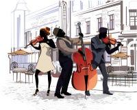 Série des rues avec des personnes dans la vieille ville musiciens Photos stock