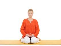 Série ou ioga photos.woman que fazem o pose da ioga fotografia de stock royalty free