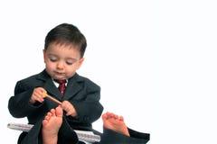 Série pequena do homem: Com os pés descalços & negócio (1 de 2) Foto de Stock