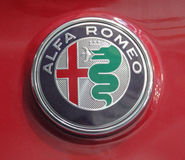 Sérvia; Belgrado; 2 de abril de 2017; Feche acima do alfa Romeo Logo; th Fotografia de Stock Royalty Free