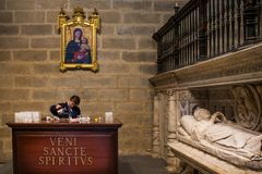 Séville, Andalousie, Espagne - 27 mars 2008 : L'intérieur de la cathédrale de Séville Photo stock