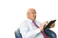 Sênior com tabuleta Imagem de Stock Royalty Free