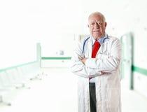 Sênior do doutor do retrato Fotografia de Stock