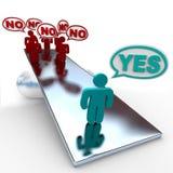 Sì la risposta non supera risposte in peso nell'equilibrio Immagine Stock