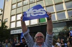 Sì referendum 2014 di Indy dello Scottish dei sostenitori Fotografie Stock Libere da Diritti