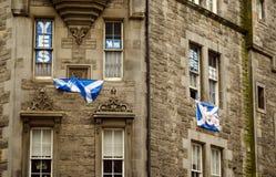 Sí banderas, milla real, Edimburgo Foto de archivo