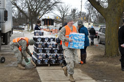 Sílex, Michigan: Distribuição de água da emergência Foto de Stock