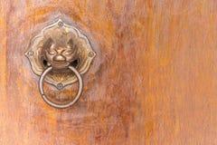 símbolo chino del golpeador de puerta del estilo chino del vintage 01 Imágenes de archivo libres de regalías