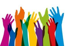 Símbolo da coesão com muitas mãos levantadas de cores diferentes ilustração stock