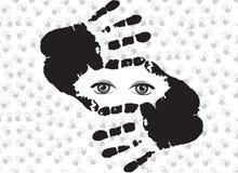 Símbolo da colheita feito das mãos com o interior dos olhos isolado no branco Fotografia de Stock