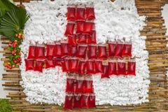 Símbolo da cruz vermelha Foto de Stock Royalty Free