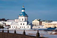 Símbolo da igreja da suposição da cidade Cheboksary, Rússia fotos de stock