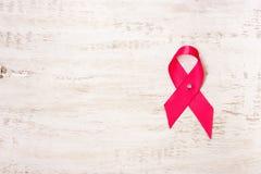 Símbolo da luta contra o câncer da mama Fita cor-de-rosa imagens de stock royalty free