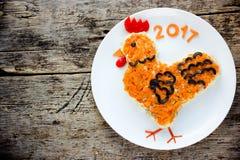 Símbolo de la ensalada del gallo o del gallo del Año Nuevo 2017 Imagen de archivo libre de regalías