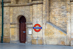 Símbolo de la estación de metro de Londres Imagen de archivo