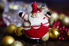 Símbolo de la Navidad Papá Noel en un trineo Fotografía de archivo libre de regalías