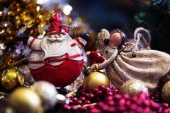 Símbolo de la Navidad Papá Noel en un trineo Foto de archivo